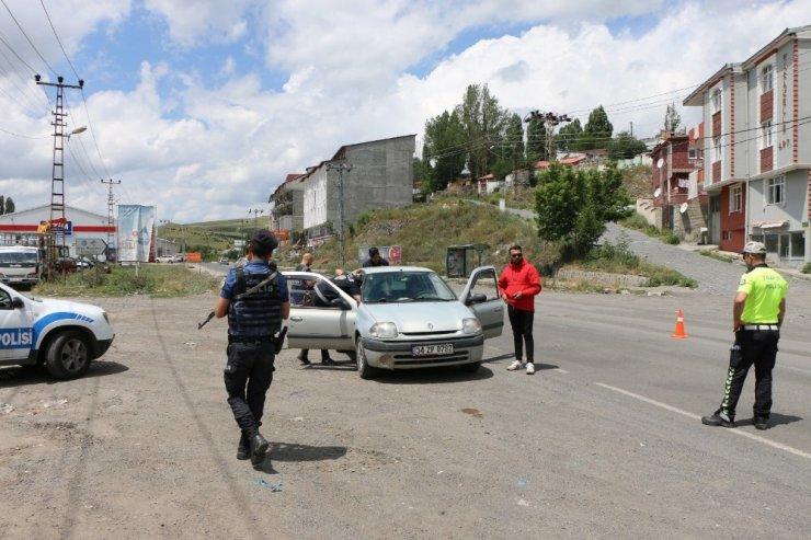 Kars'ta Polis Uygulaması