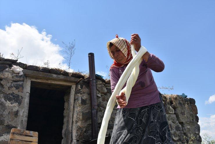 Kars'ın Yaylalarından 'Çeçil Peyniri'