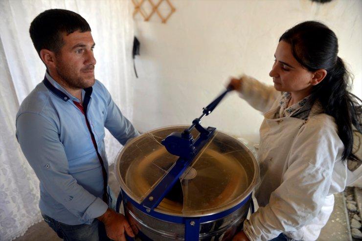 Ardahan'da 'Bal Sağımı' Başladı