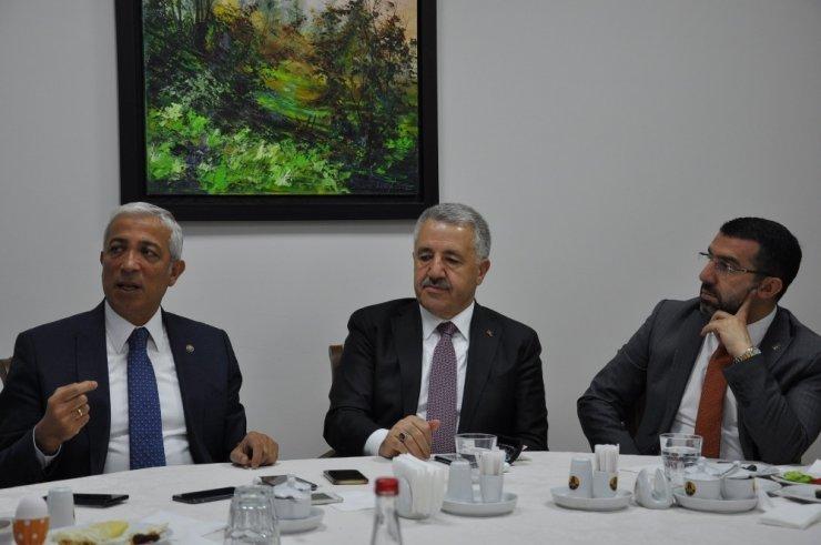 Ak Parti Kars Milletvekilleri Basınla Buluştu