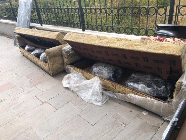 'Kanepe'ye 105 Kilo Esrar Sakladılar