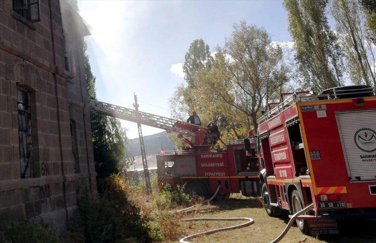 Sarıkamış'ta Tarihi Binada Yangın