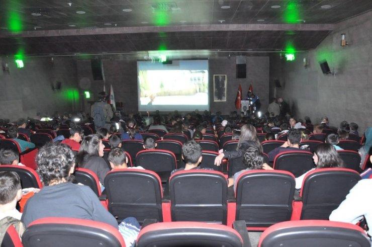 Kars'ta 100 Çocuğa Film İzletildi