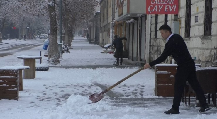 Karslıların Kış Mesaisi Başladı