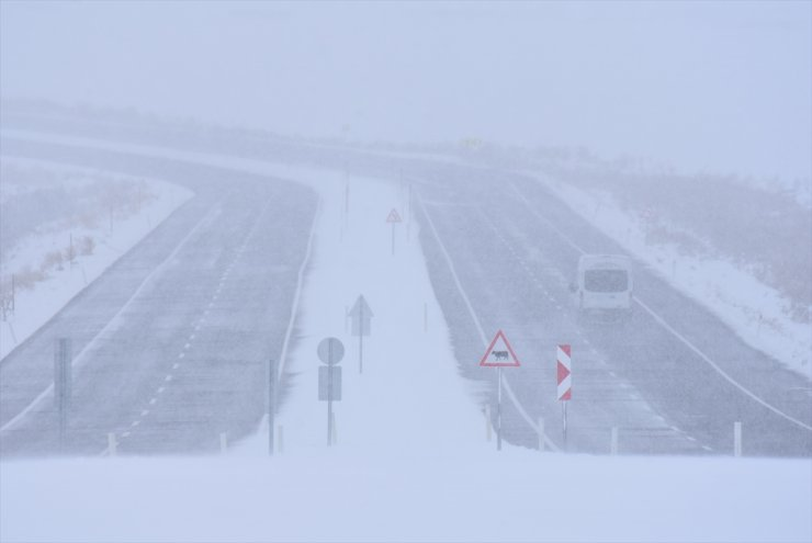 Kars İle Ardahan'da Kar ve Tipi