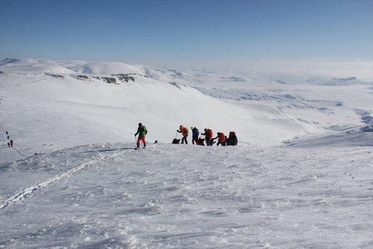 Dağcılar, Allahuekber Dağı'na Tırmandı