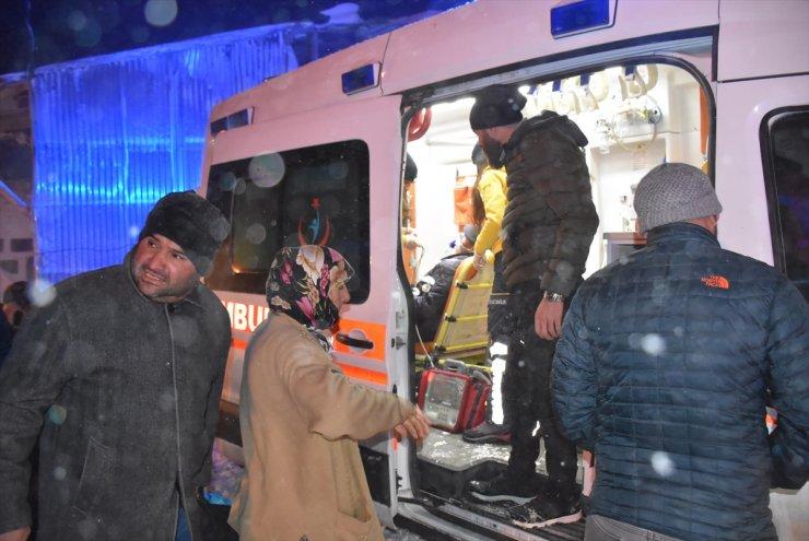 Kars Ve Erzincan'da Mahsur Kalan Hastalar İçin Ekipler Seferber Oldu