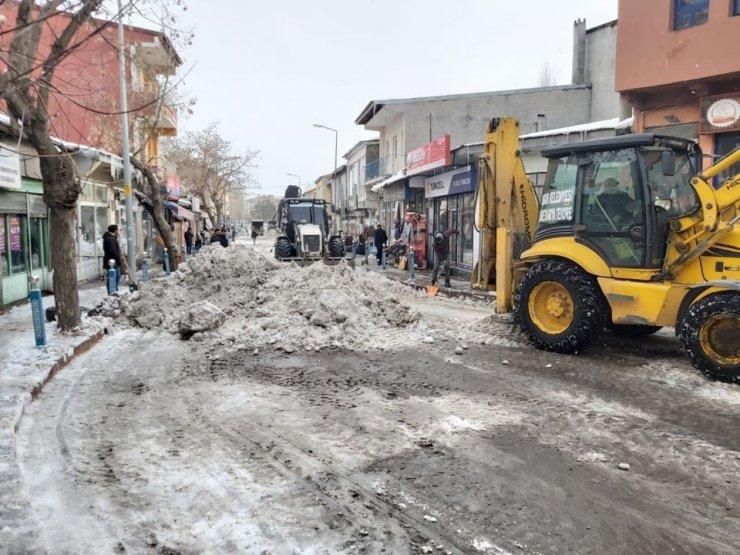 Digor'da Karla Mücadele Devam Ediyor
