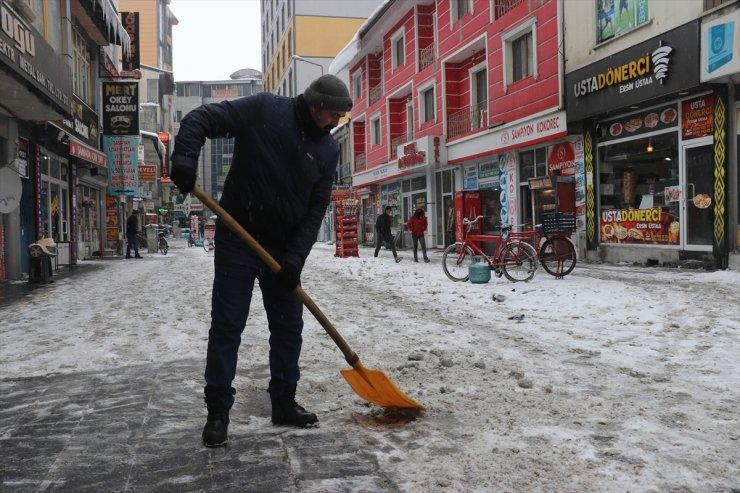 Bölgede 857 Köy ve Mahalle Yolu Ulaşıma Kapandı