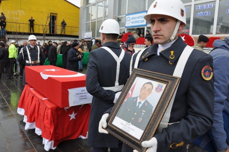 Karslı Asker İçin Hüzünlü Cenaze Töreni