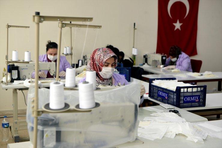 Ardahan Belediyesi 'Maske' Üretiyor
