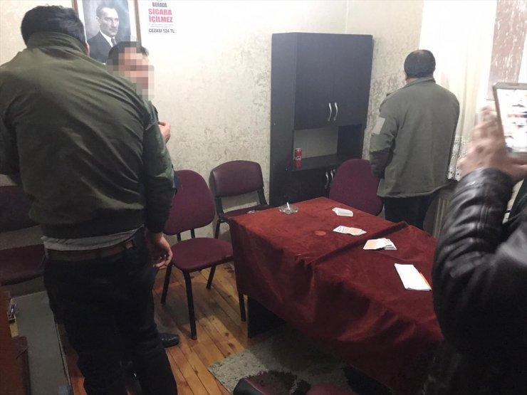 Kars'ta Kahvehane Baskını