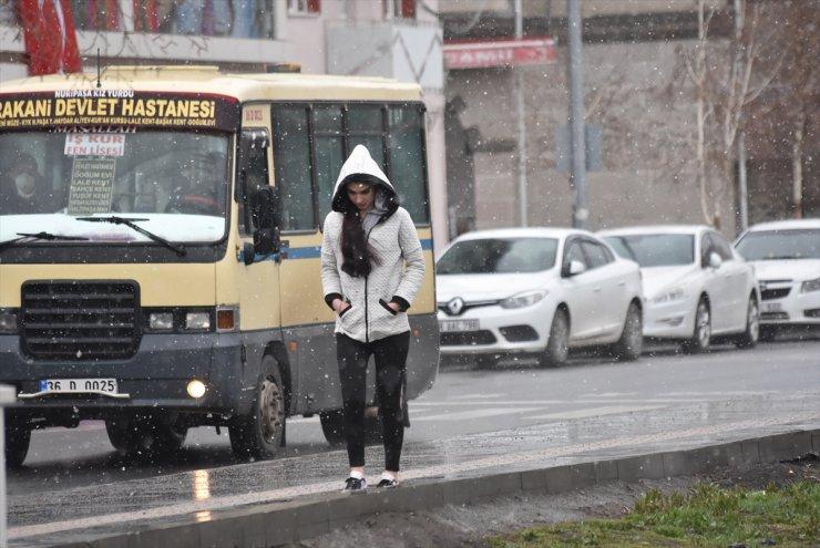 Kars'ta Sağanak ve Kar Yağışı