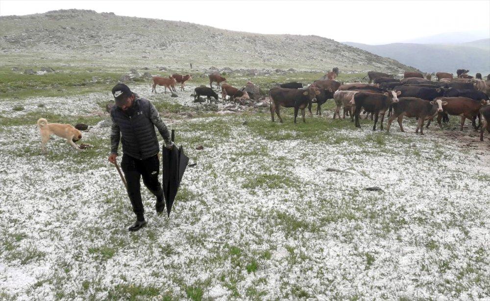 Sağanak Yağış ve Dolu Etkili Oldu