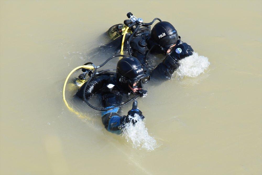 Serinlemek İçin Aras Nehrin'e Giren Gencin Cesedi Bulundu