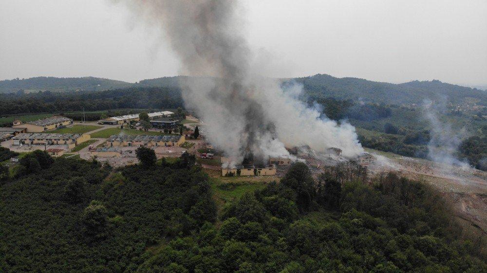 Sakarya | 'Havai Fişek Fabrikası'nda Patlama ve Yangın