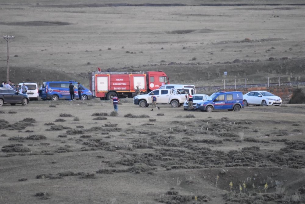 Kars'ta Kuyuda Biri Kadın 2 Kişinin Cesedi Bulundu