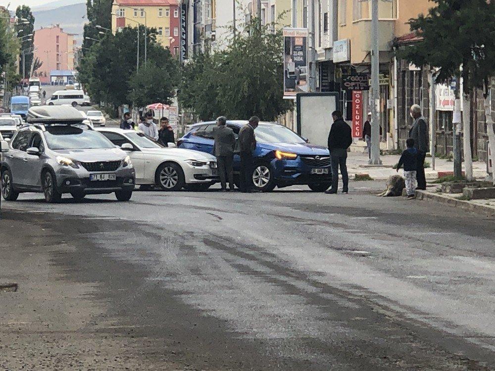 Kars'ta Maddi Hasarlı Trafik Kazası