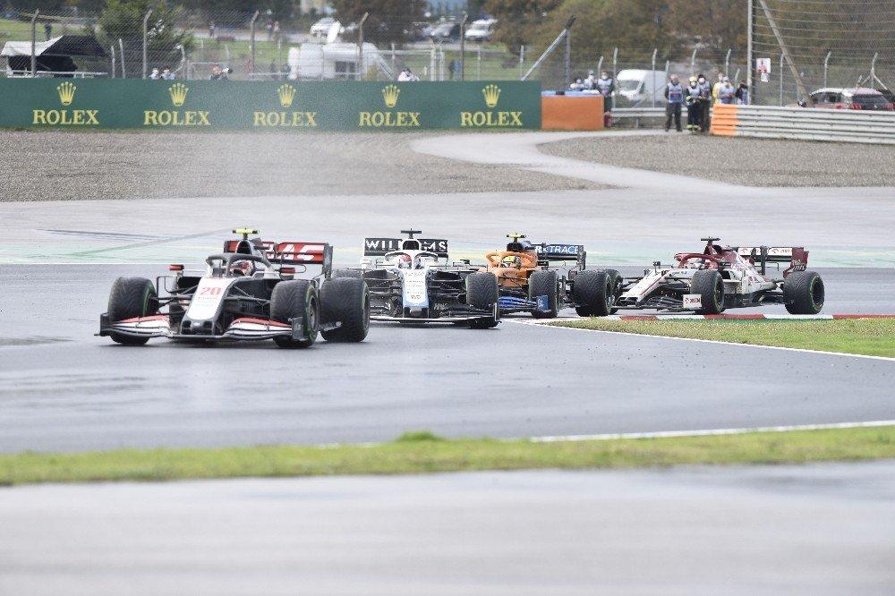 F1 İstanbul Yarışını Lewis Hamilton Kazandı
