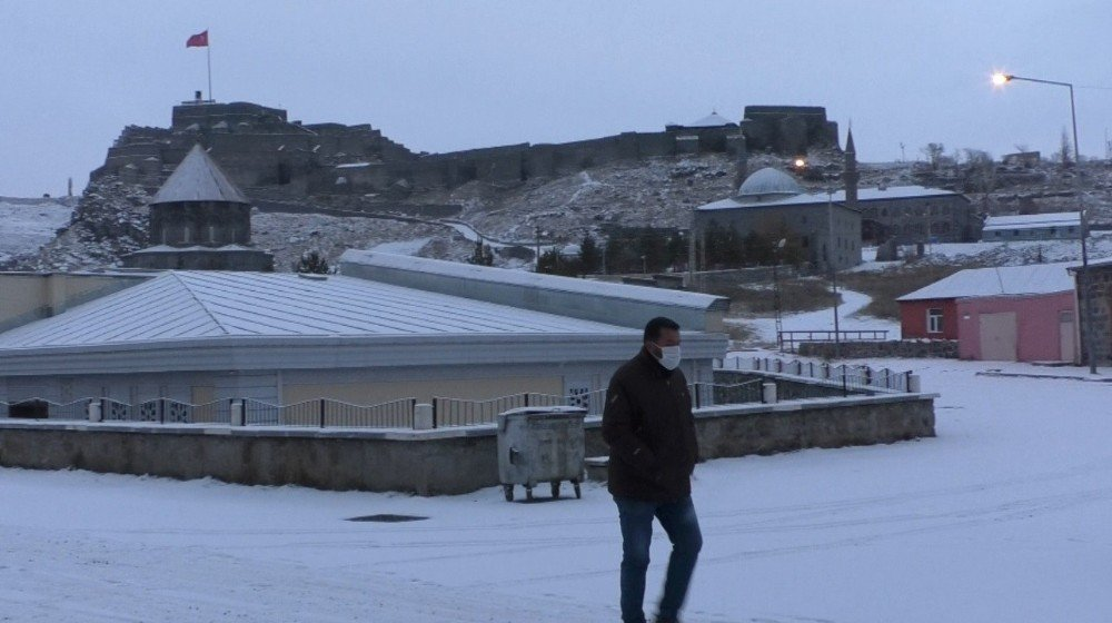 Kars ve Bölge Beyaza Büründü