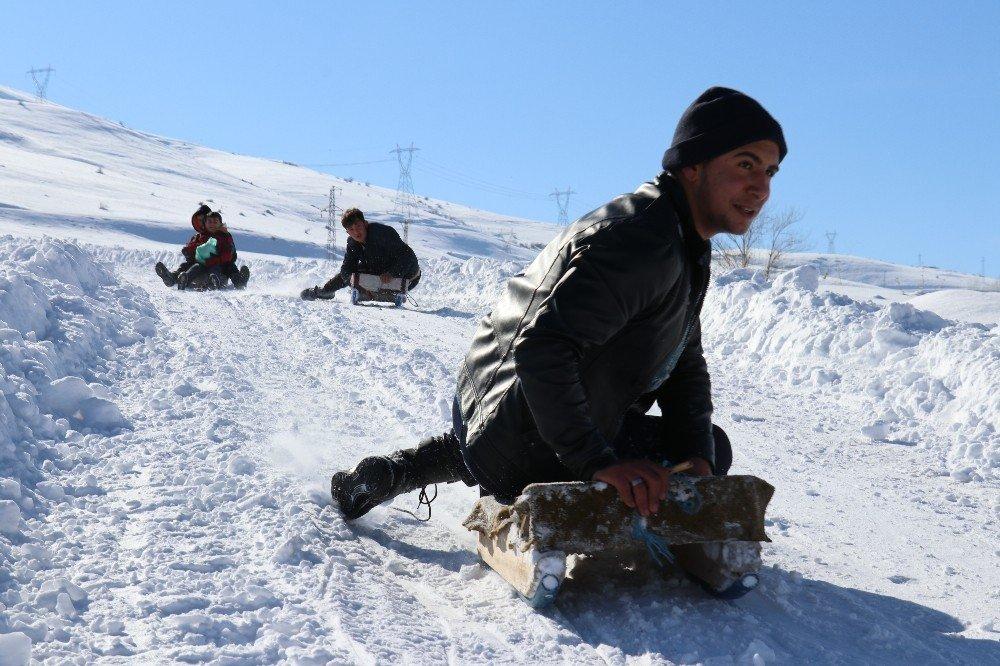 Van | Artos Dağı Eteğinde Kızak Keyfi