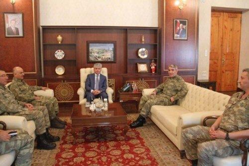 3. Ordu Komutanı Savaş'tan Vali Doğan'a Ziyaret