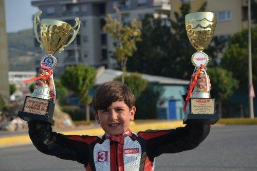 9 Yaşındaki Minik Aras, Kenan Sofuoğlu'nun İzinde