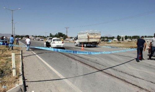 Ağrı'da Trafik Kazası: 1 Ölü, 3 Yaralı
