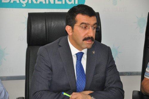 AK Parti'den 'Demokrasi Nöbeti' Çağrısı