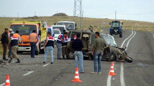 Ani Yolunda Kaza: 1 Ölü, 4 Yaralı