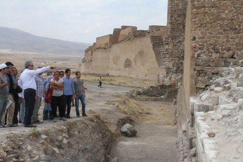 Ani'de Arkeolojik Kazı Çalışması