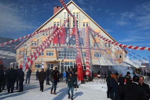Ardahan Yalnızçam Kayak Merkezi Açıldı