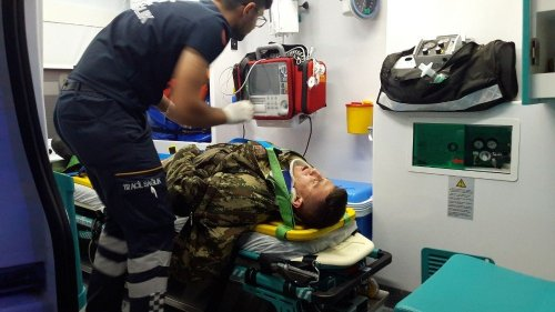 Ardahan'da Trafik Kazası: 4'ü Asker 5 Yaralı