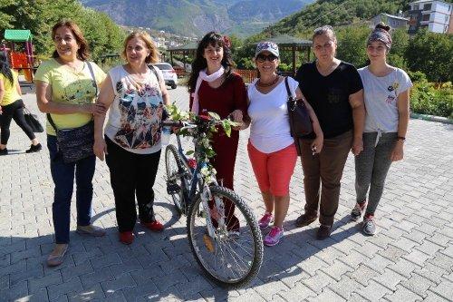 Artvin'de 'Süslü Kadınlar' Pedal Çevirdi