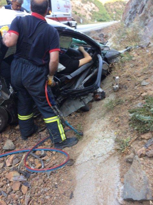 Artvin'de Trafik Kazası: 1 Ölü, 2 Yaralı