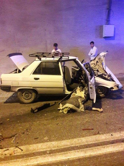 Artvin'de Trafik Kazası: 2 Ölü, 1 Yaralı