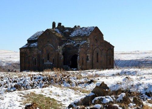 ARÜ Öğrencilerinden Ani Antik Kenti'neGezi