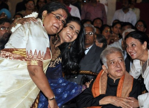 Bollywood'un Efsane İsmi Shashi Kapoor Hayatını Kaybetti
