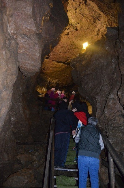 Çal Mağarası'nı 35 Bin Turist Ziyaret Etti