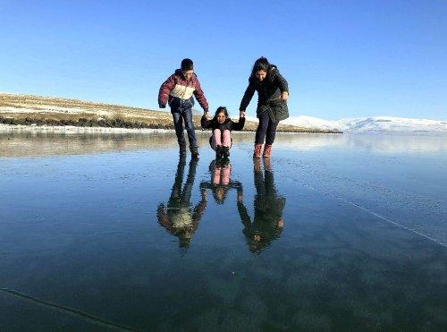 Çıldır Gölü'nün Muhteşem Manzarası