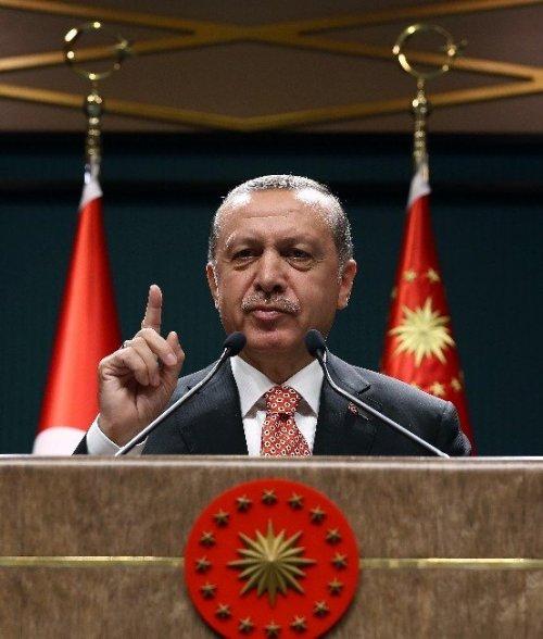 Cumhurbaşkanı Erdoğan, Nöbetteki Vatandaşlara Seslendi