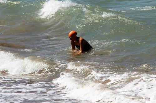 'Dostluk' İçin Yunan Adalarına Yüzerek Geçti