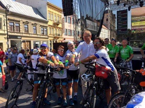 Enverçevko Bisiklet Takımı, Dünya Barışı İçin Pedal Çevirecek