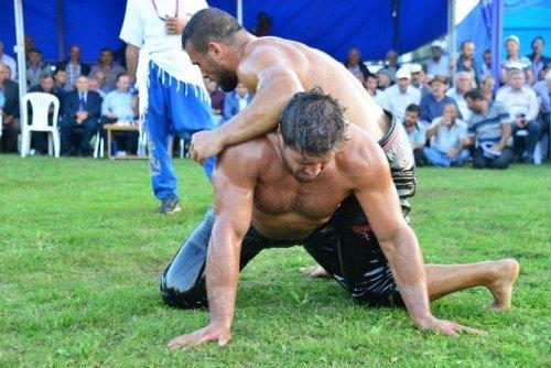 Erbaa Güreşlerinin Başpehlivanı Recep Kara