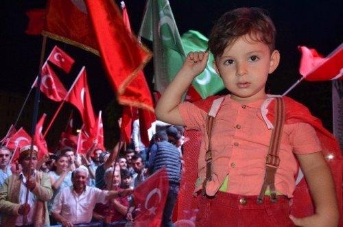Eskişehirspor Camiası Demokrasi Nöbetinde