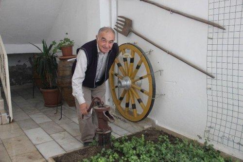 Eskiyi Unutturmayan Emekli