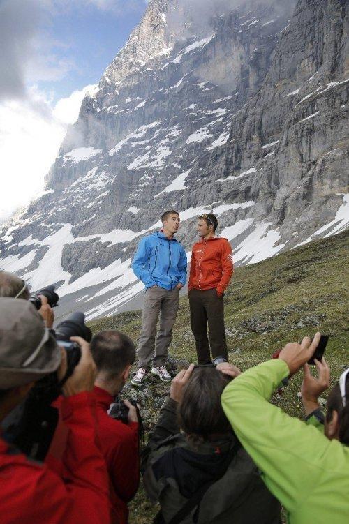 Everest'e Rekor Deneyen Dağcı Hayatını Kaybetti