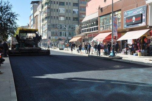 Faikbey Caddesi'nin Asfaltı Tamamlanıyor