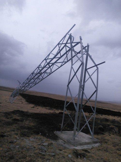 Fırtına Yüksek Gerilim Hatlarına Zarar Verdi