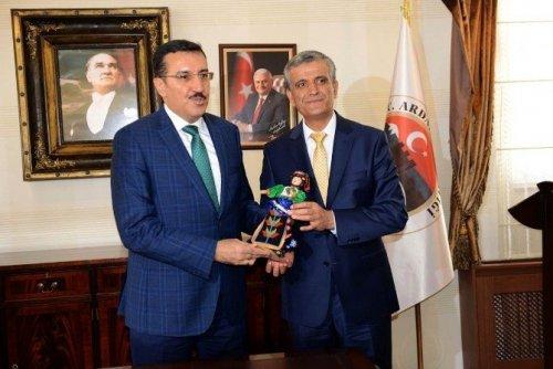 Gümrük ve Ticaret Bakanı Bülent Tükekci'nin Ardahan Ziyareti